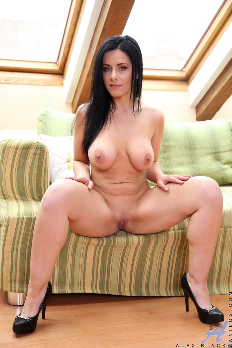 pussy dildo shaved Busty