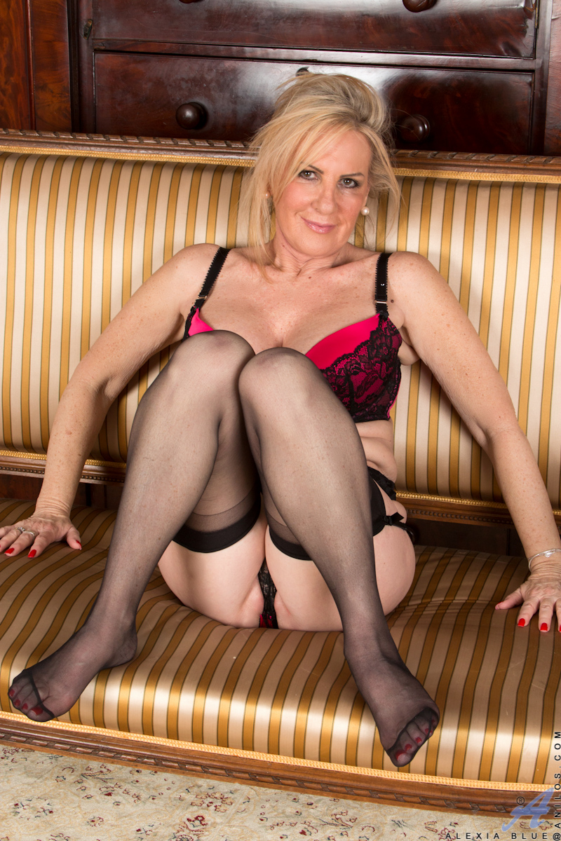 Hot older women porn