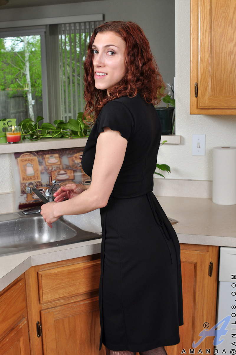 get-gang-hairy-nude-in-the-kitchen