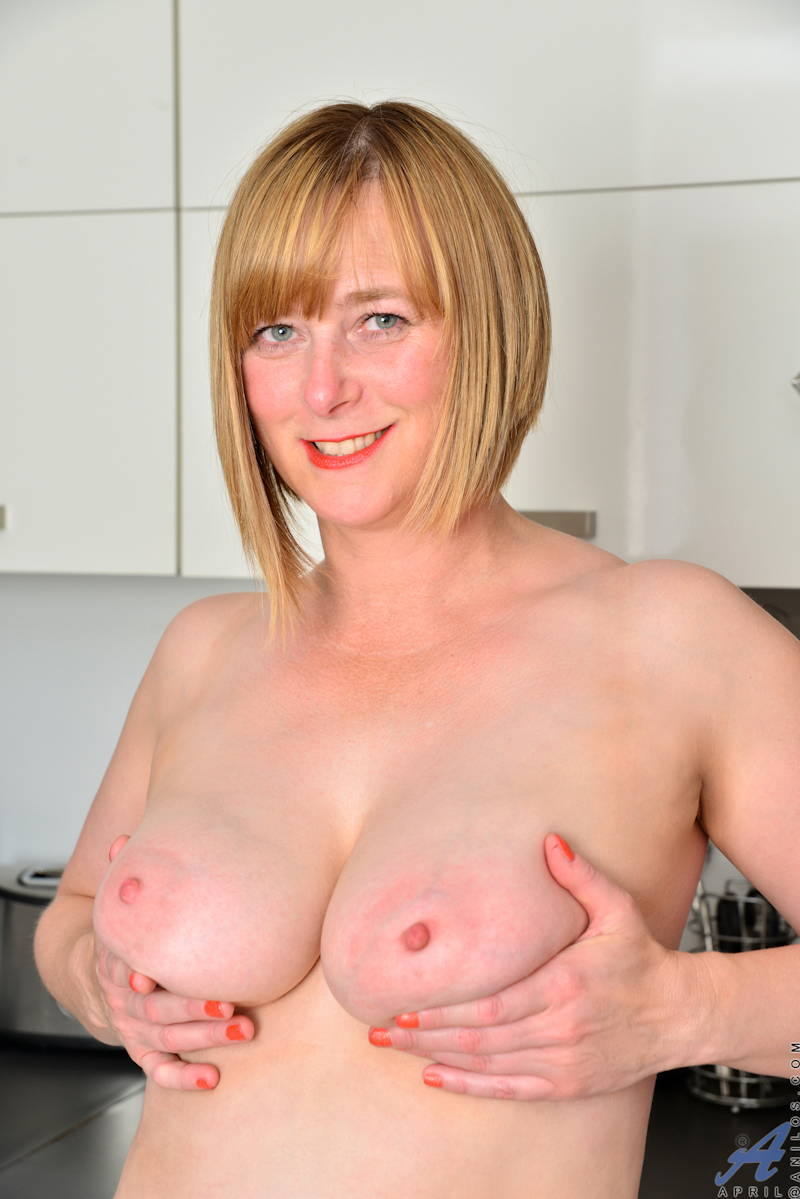 Consider, that Mature and natural tits have hit