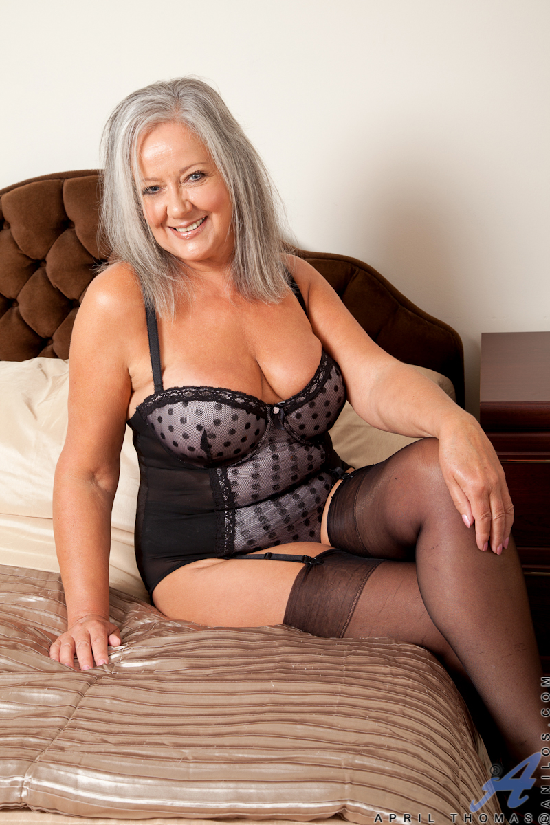 hot mature tan older babes