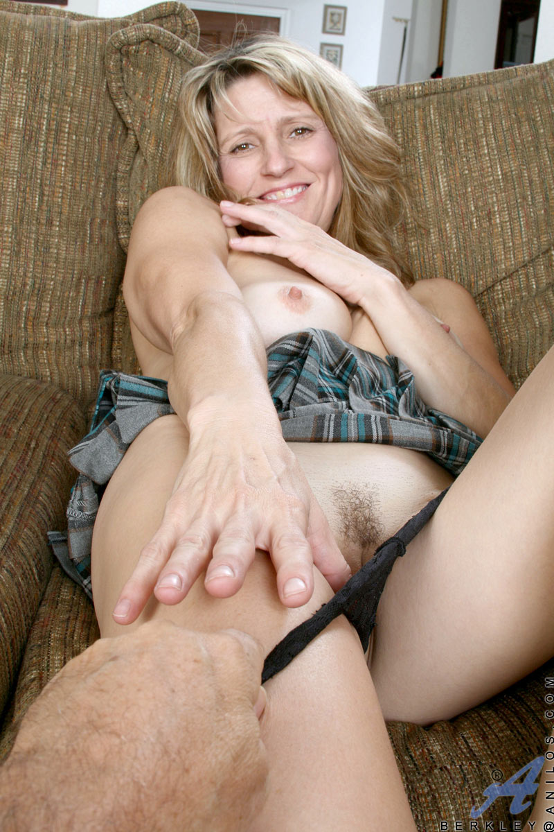 Excited too Anilos mature women theme