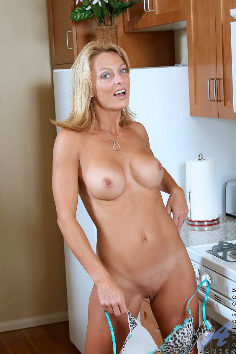 Naked woman hot