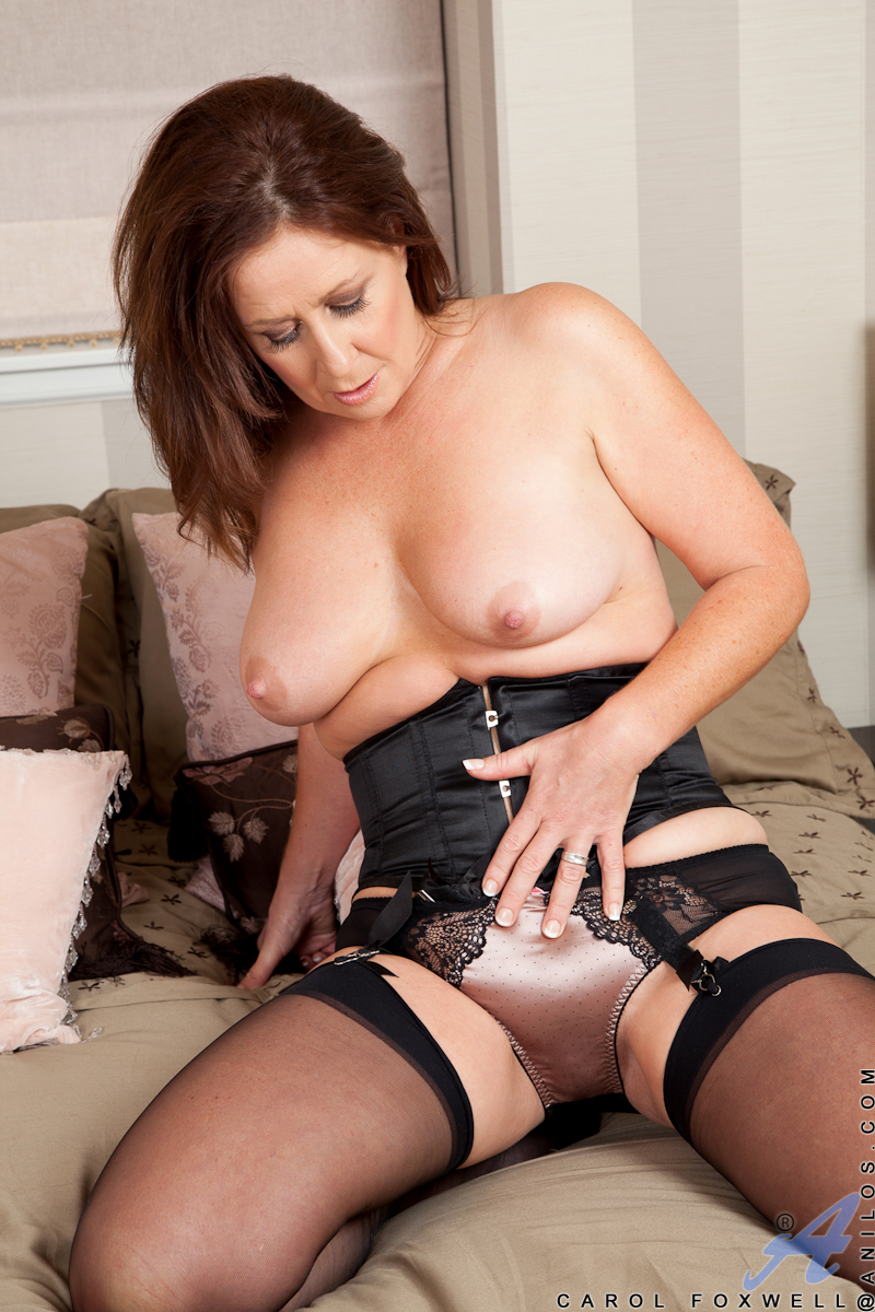 milf stocking spread Hot mature
