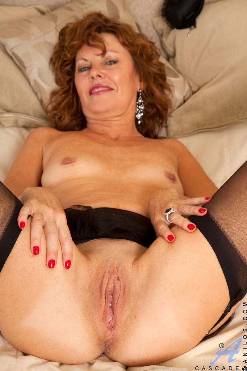 Amber rayne dildo insertion