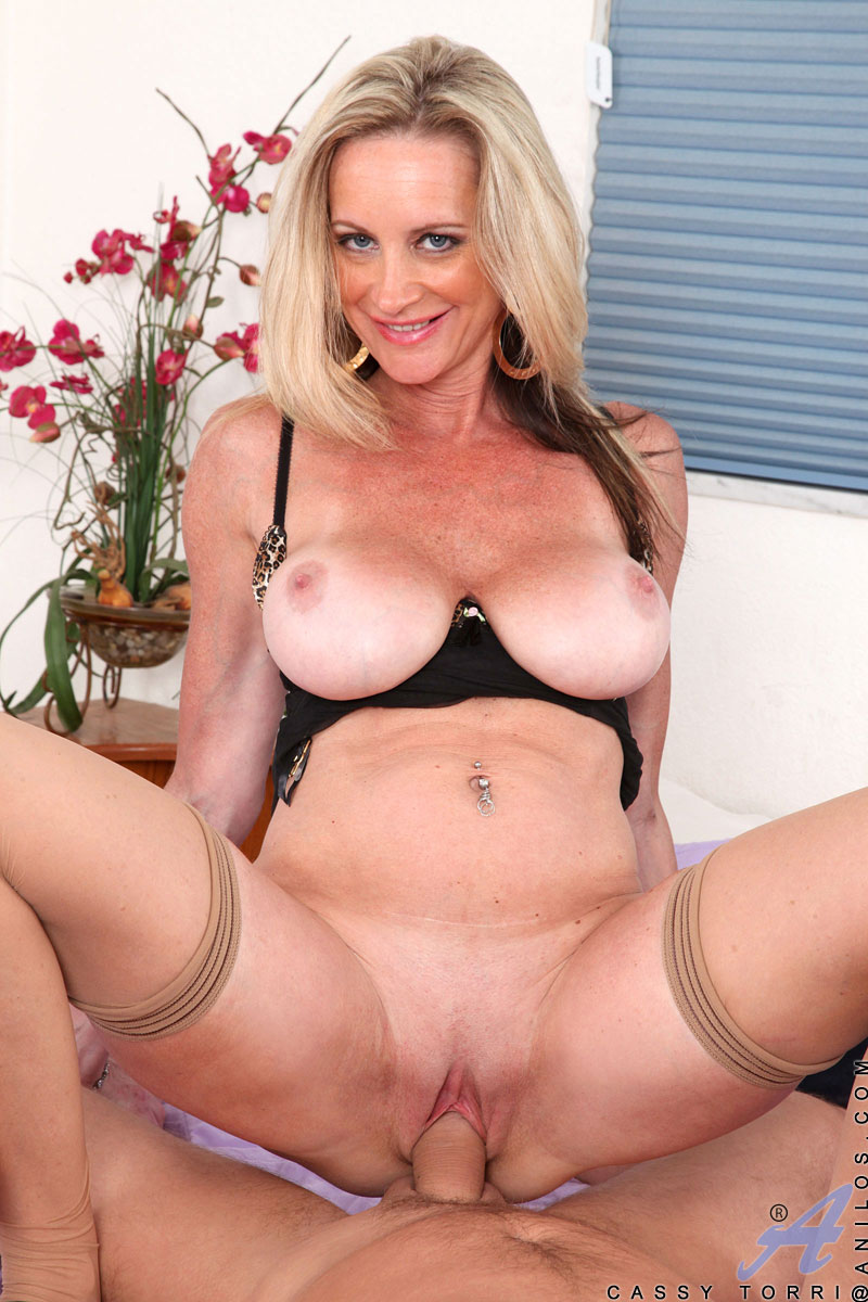 Milf mature huge tits blonde