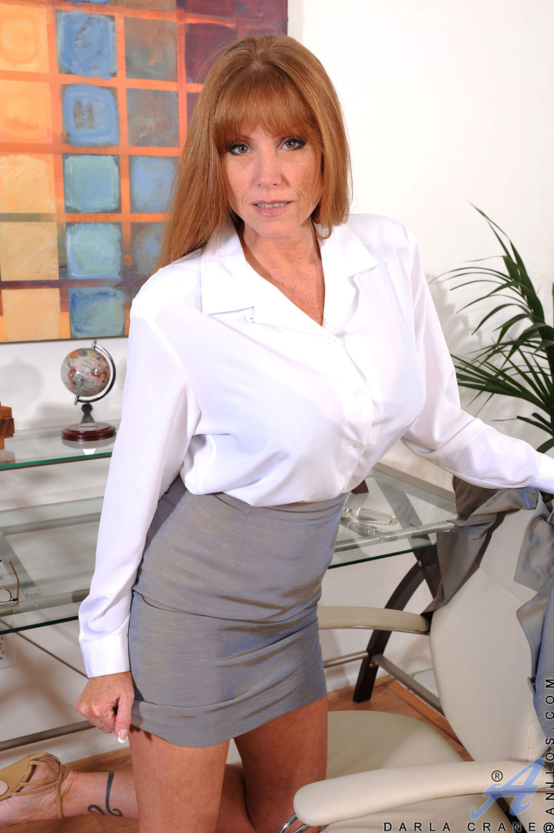 Hot mom darla crane as