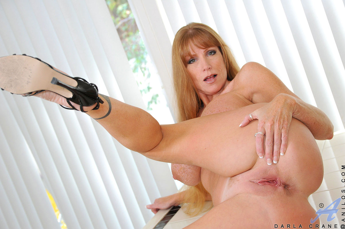 anilos - freshest mature women on the net featuring anilos darla