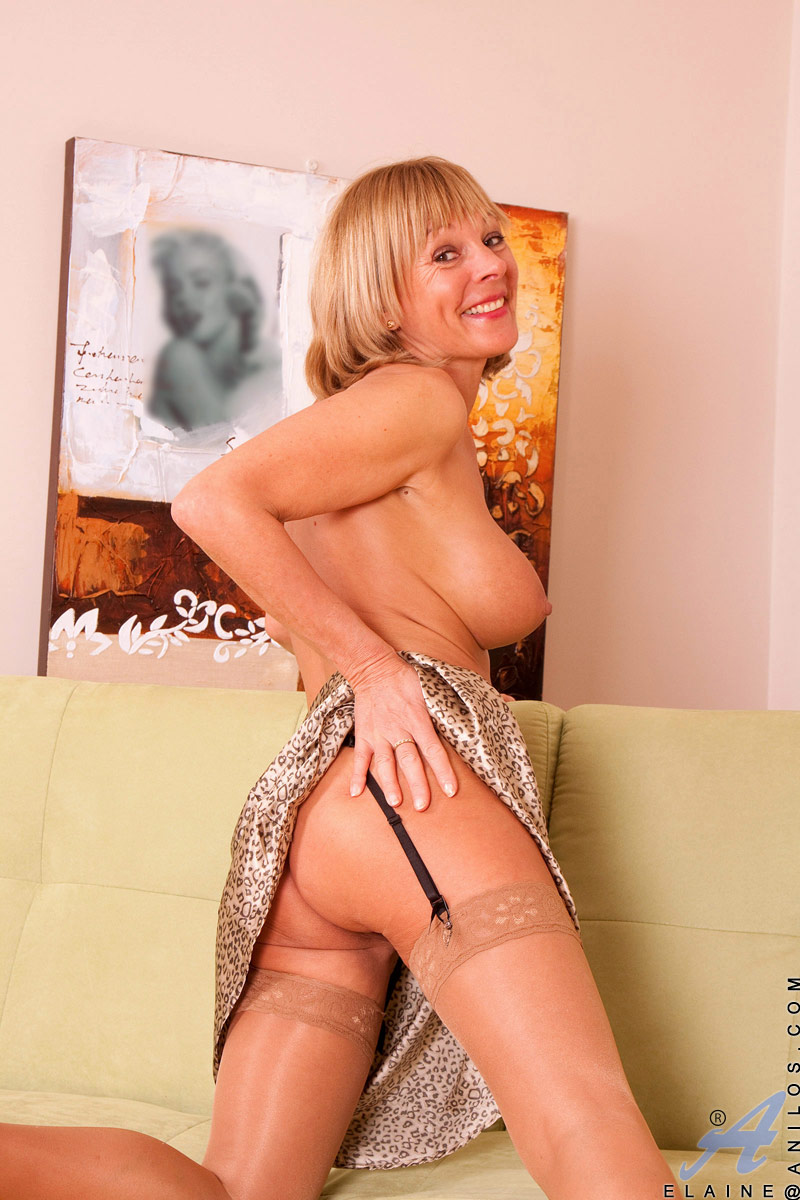 British milf louise hodges is your friendly maid - 3 7
