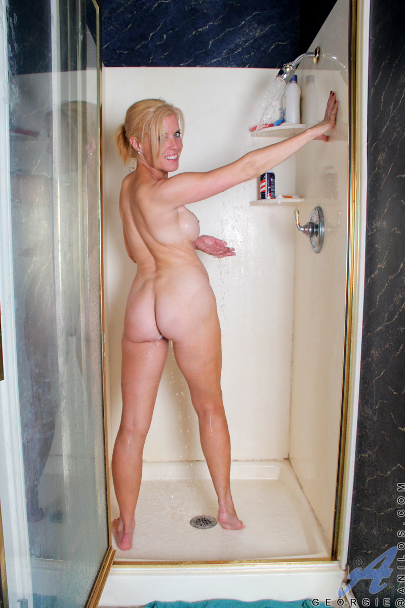 Naked older shower moms draw?