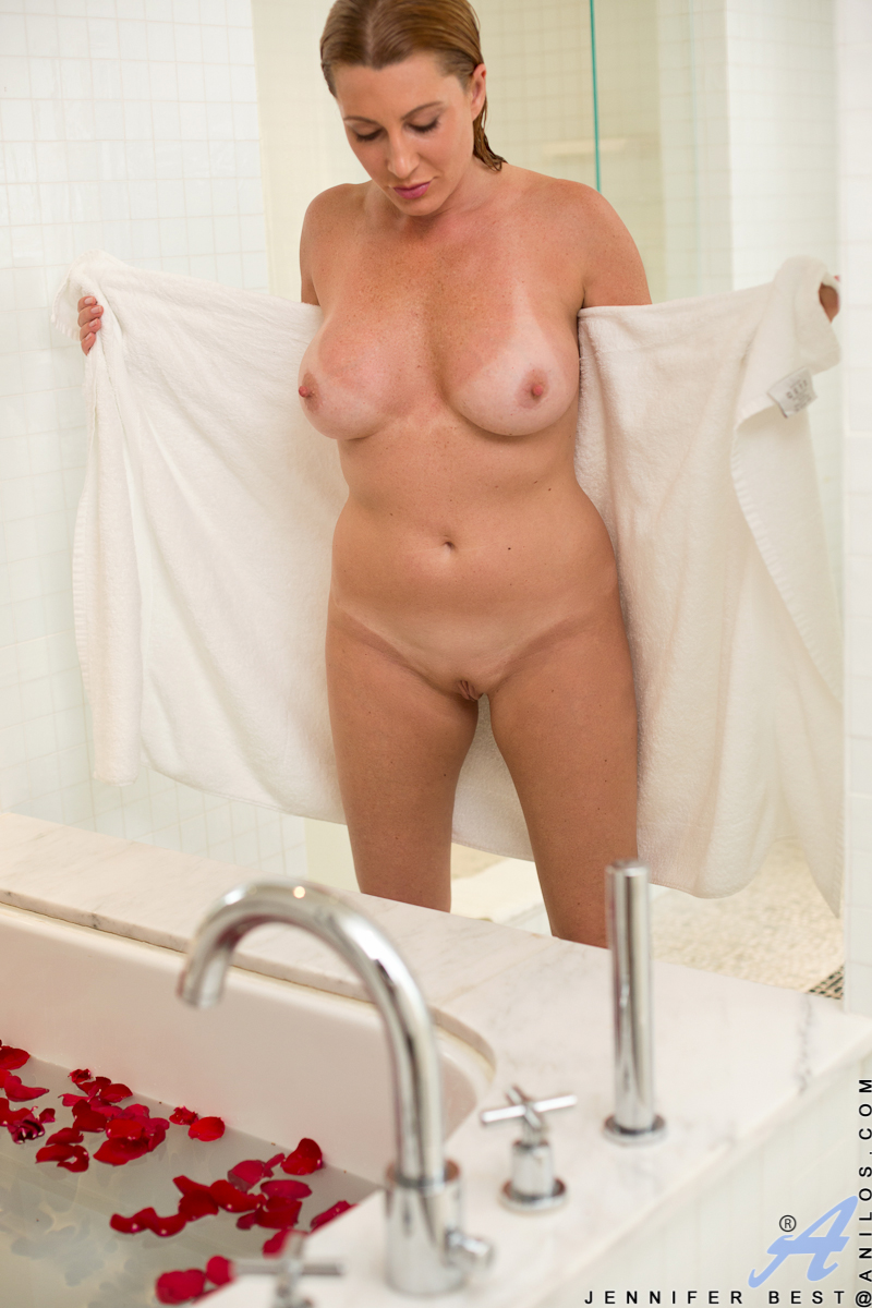 chubby women naked in the shower