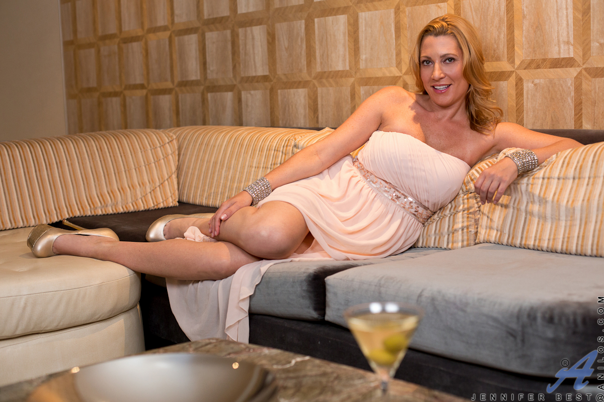 anilos - classy and playful featuring jennifer best. (photos)