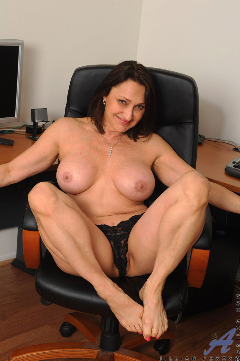 Marierocks 50 plus milf hard body