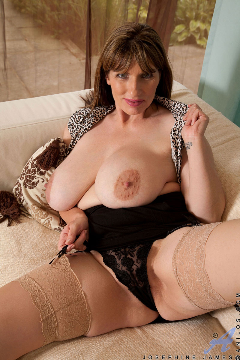 Older mature big tits on couch