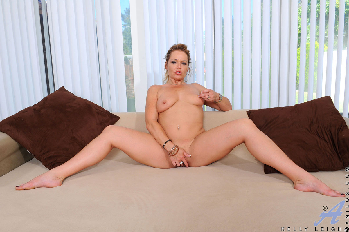 Mature boobed xxx kelly leigh great