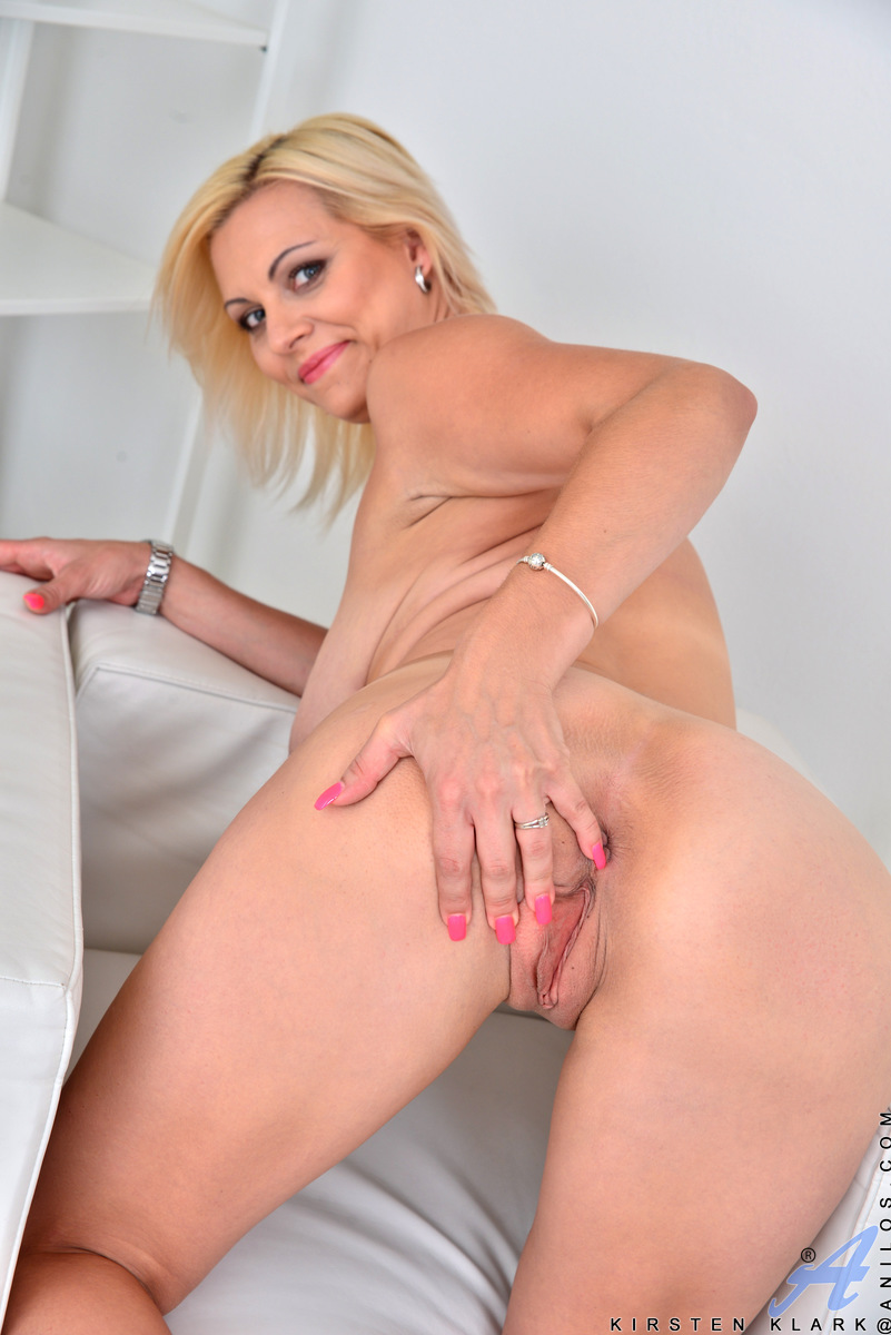 Anilos.com - Kirsten Klark: Blonde Beauty