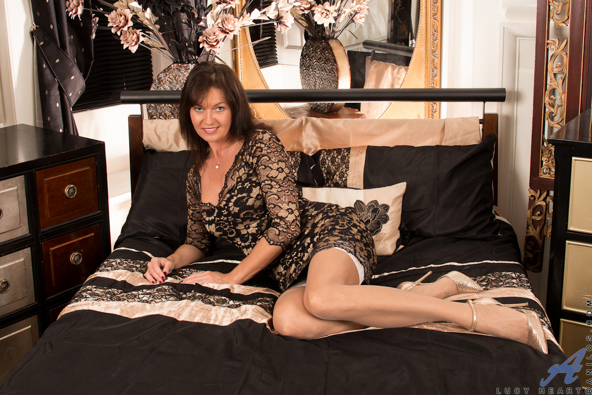 ... Freshest mature women on the net featuring Anilos Lucy Heart hot_milf