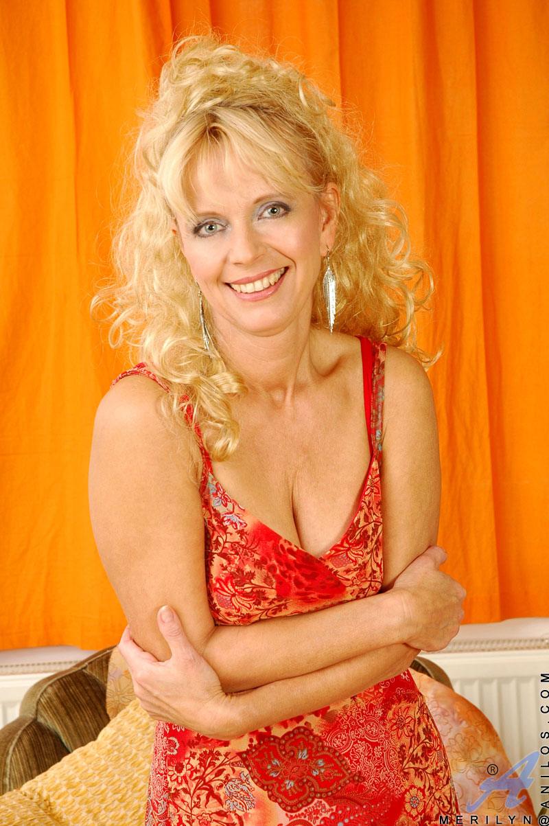 Women merilyn fun older