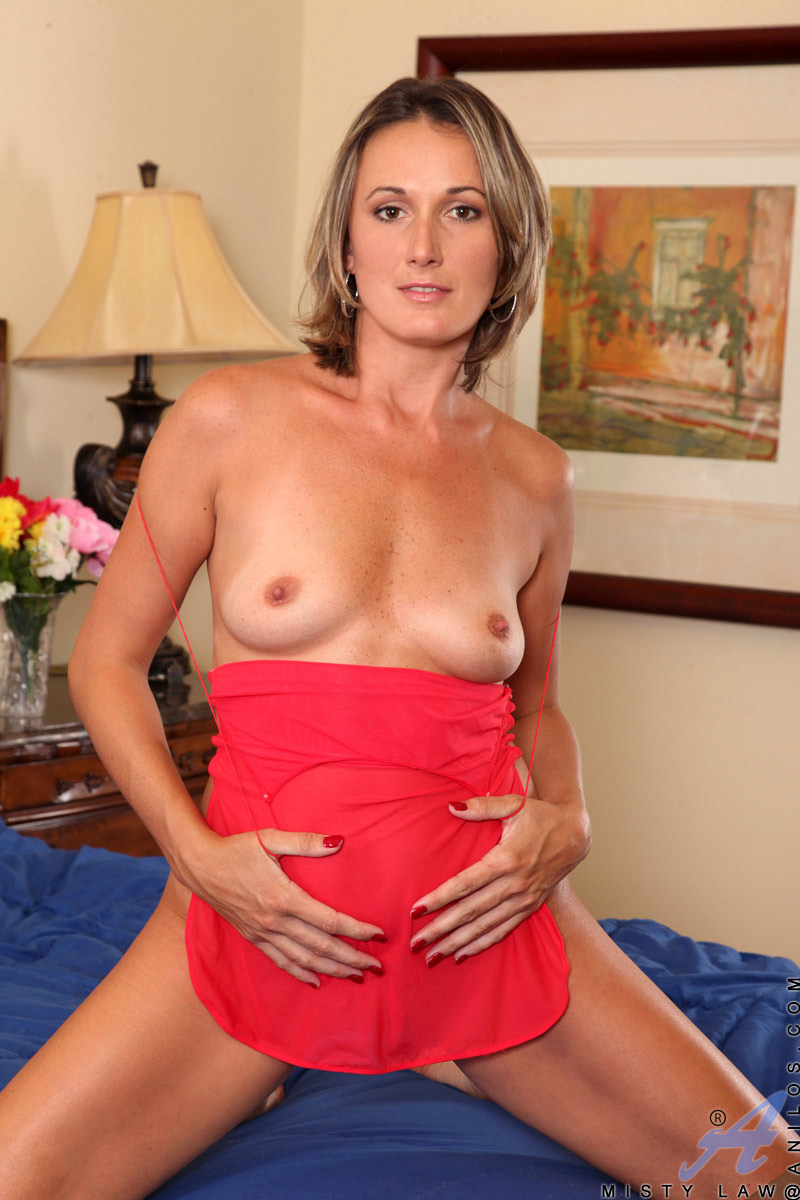 Hot older euro cougar in heels gets a big one 5