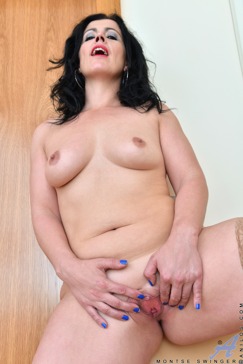 Hot thick mature juicy mama 4