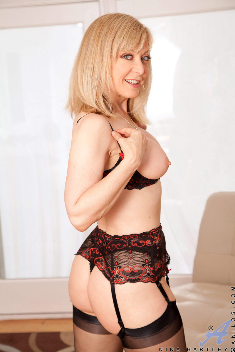ninahartley.com