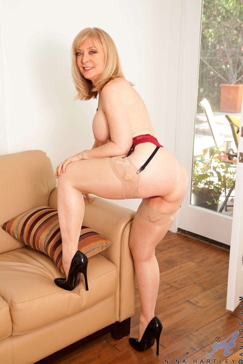 nude Nina hartley