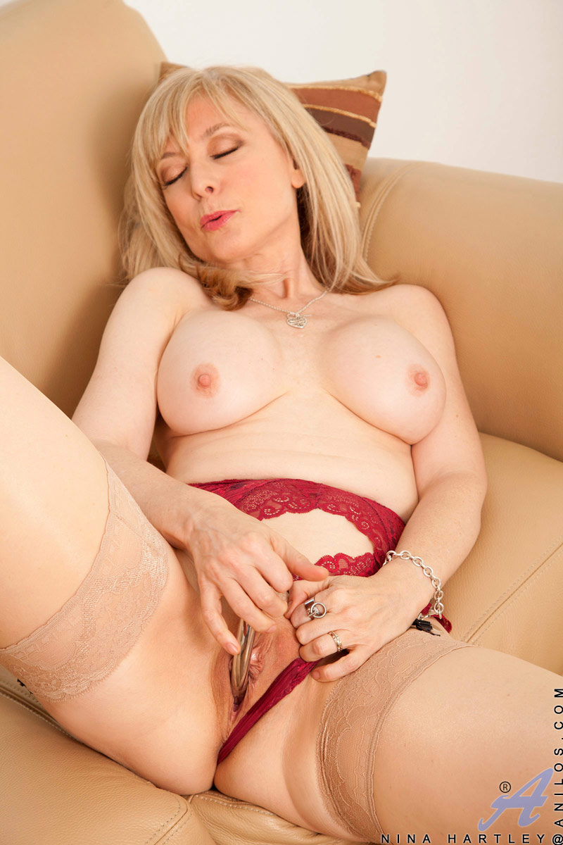 shemale in nylon stockings