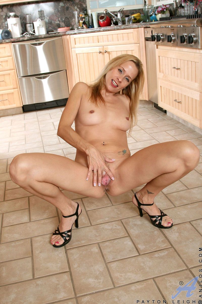 anilos - payton leigh kitchen nudity gallery 1