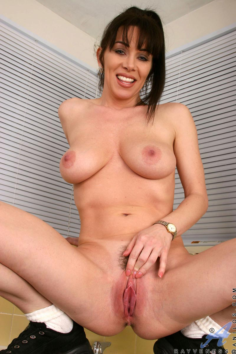 Anilos.com - Freshest mature women on the net featuring ...