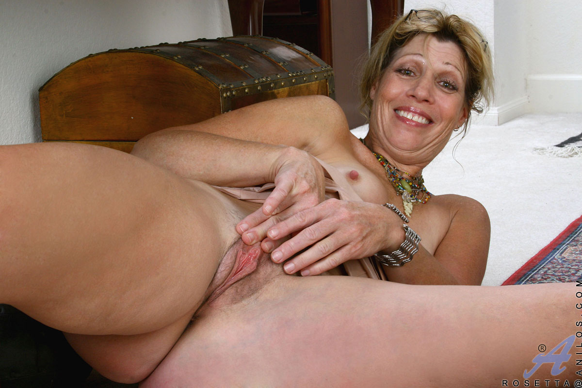 free mature mom pic