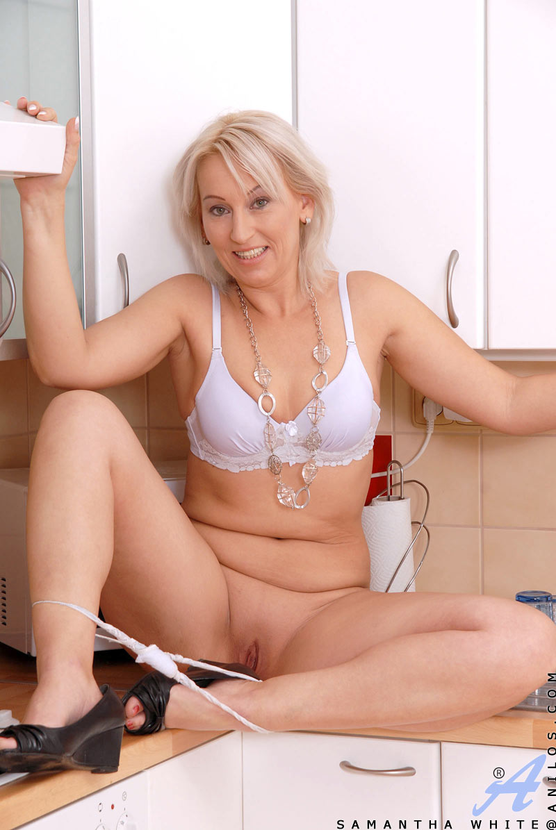 stark naked mature women