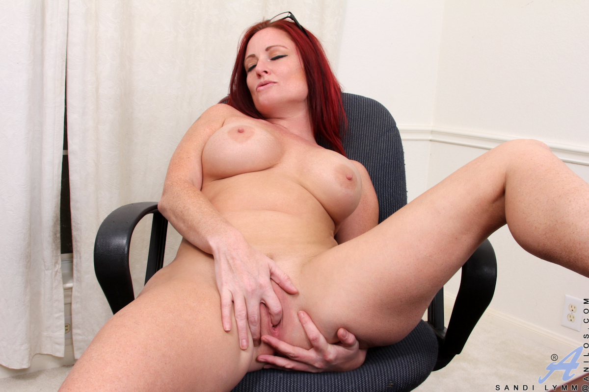 Redhead with a nice rack used as an example to explain about bdsm 8