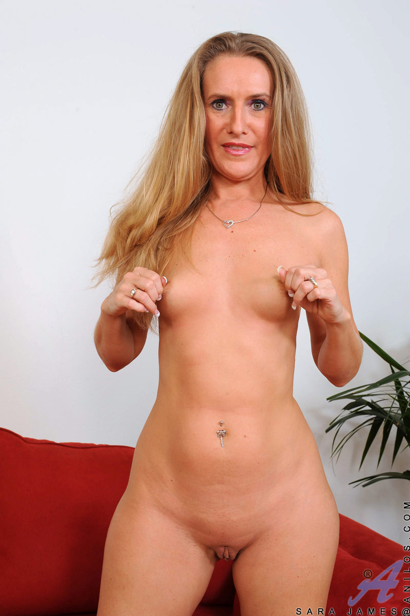 Anilos sara james nude prompt