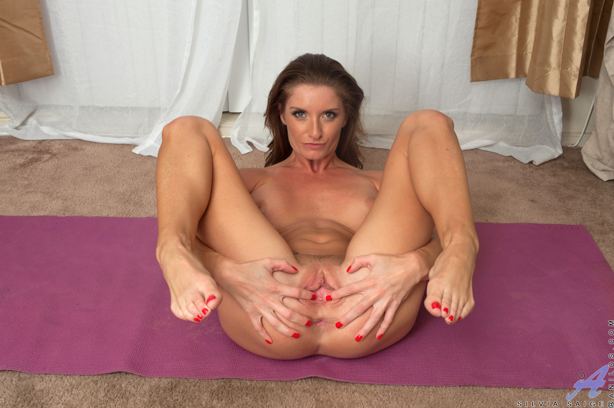 Badmilfs learning how to fuck from his stepmom 4