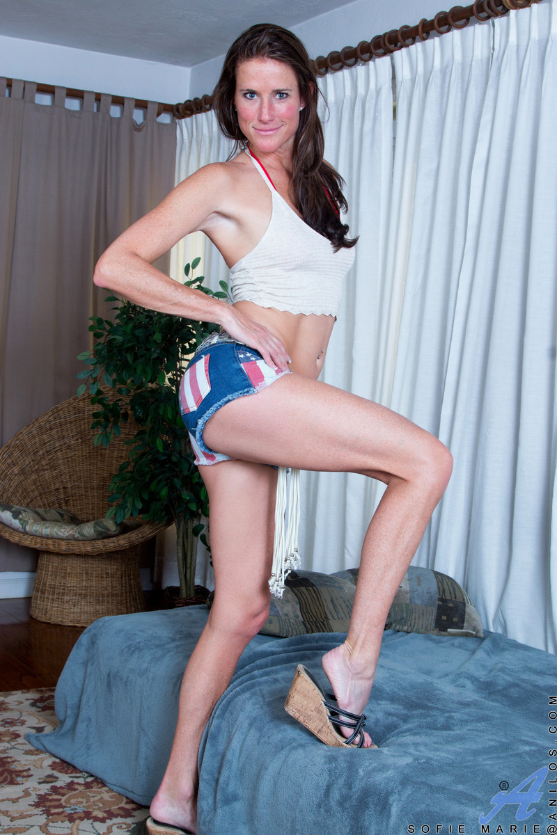 Anilos.com - Sofie Marie: Tight Body Milf