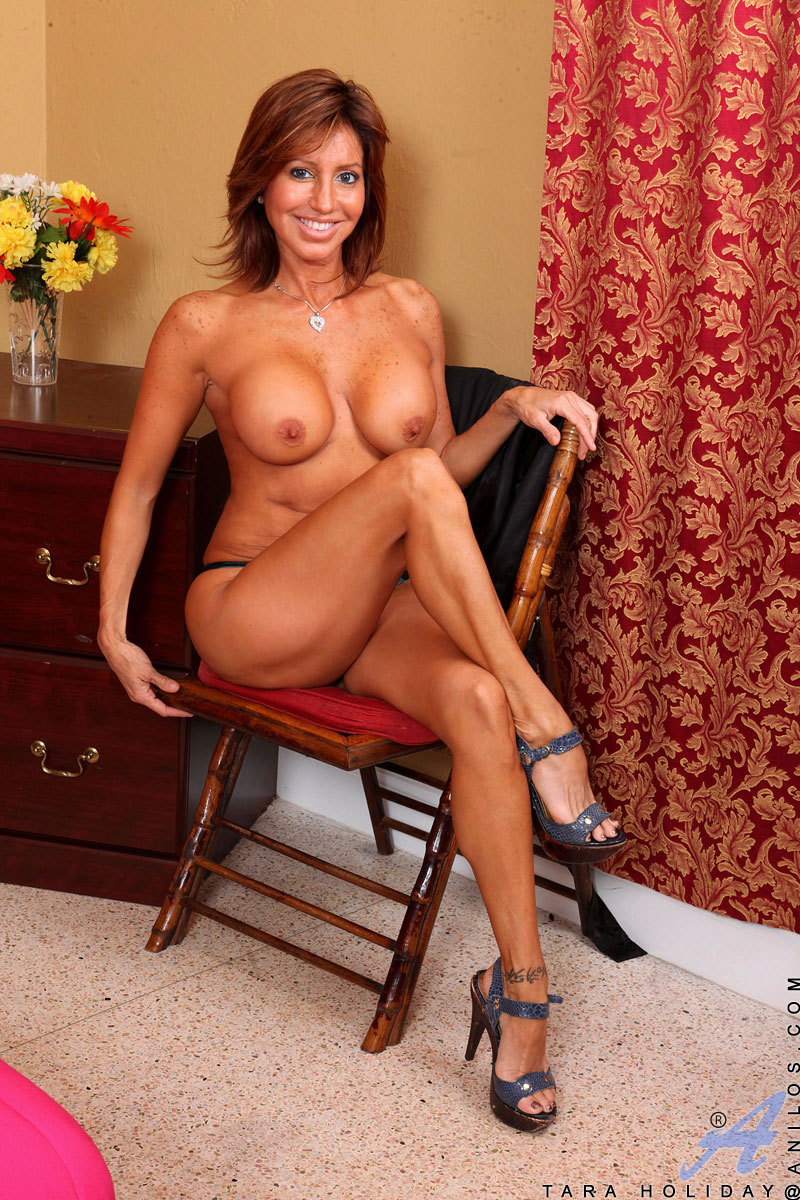 Milf in cougar heels latina