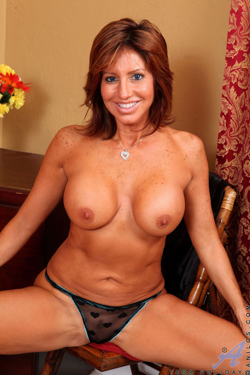 Cougar tara holiday nude consider, that