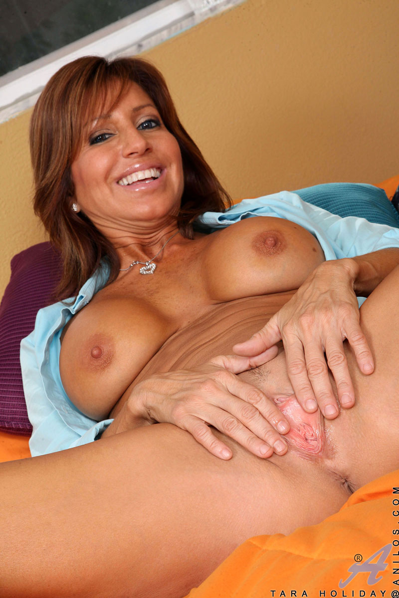 A beautiful mature persia monir well what happens 8