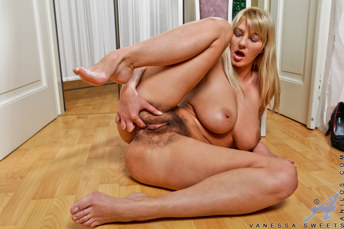 milf sweets Hairy vanessa