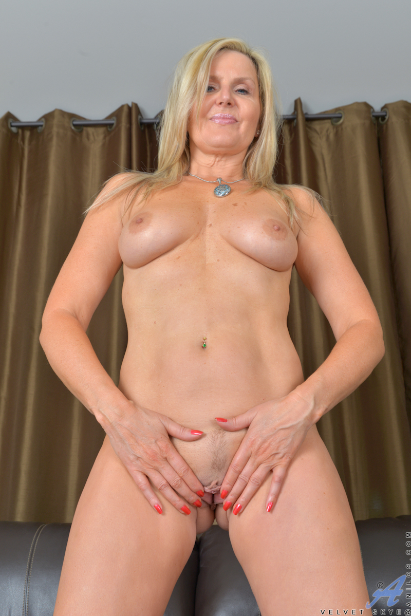 Annabelle lee over 30 joi 2015 7