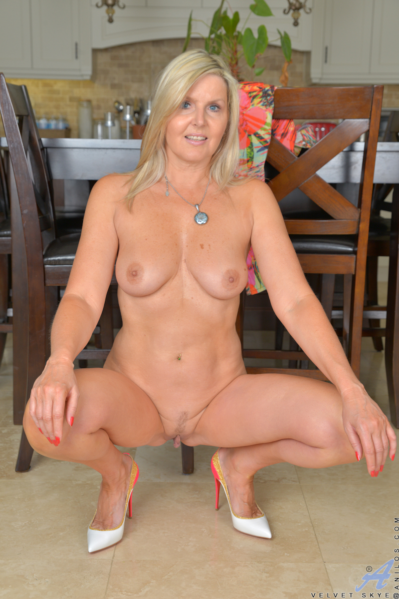 Amateur milf photos bam