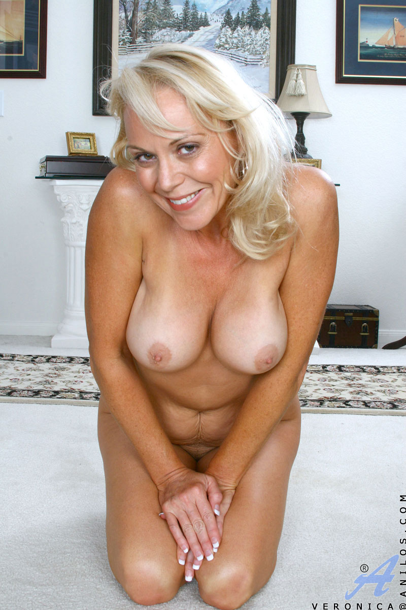 Blonde mature veronica anilos milfs