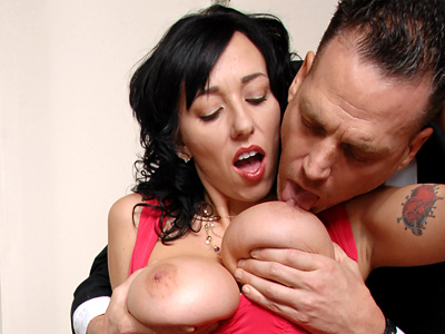 Anilos Alia Janine offers her huge tits and mature pussy top a lucky guy
