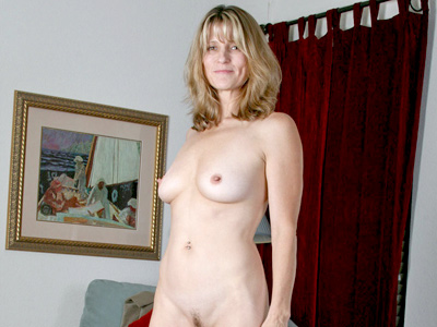 Sizzling hot Anilos Berkley masturbates with it a vibrator
