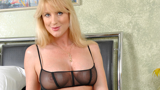 Bethany Sweet mature women video from Anilos