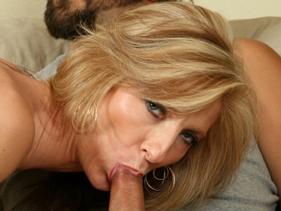 Dirty blonde Anilos Dee Dee reveals snitch masterful oral skills before fucking