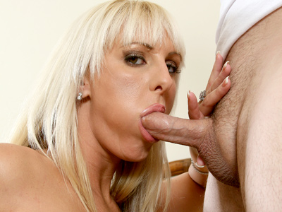 Cock starved Anilos temptress sucks a thick cock before receiving some serious poundation