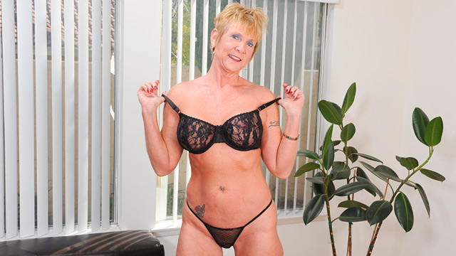 Blonde mature honey fucked