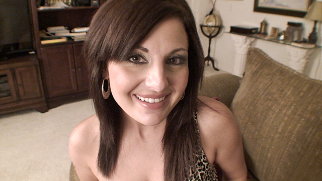 Lola Lynn mature women video from Anilos