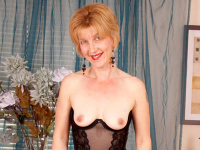Anilos mature women video